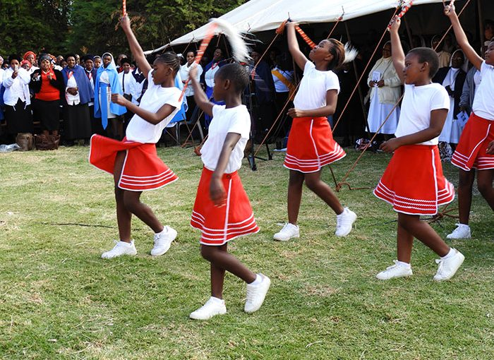 zulu-dance-emaus-heritage-centre-celebrates-abbot-francis-day-in-south-africa